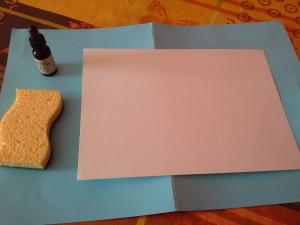 On dirait presque ma feuille est déjà rose mais non, c'est bien une feuille canson 224gr blanche.